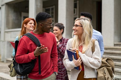 A Importância das Atividades Extracurriculares para os Universitários