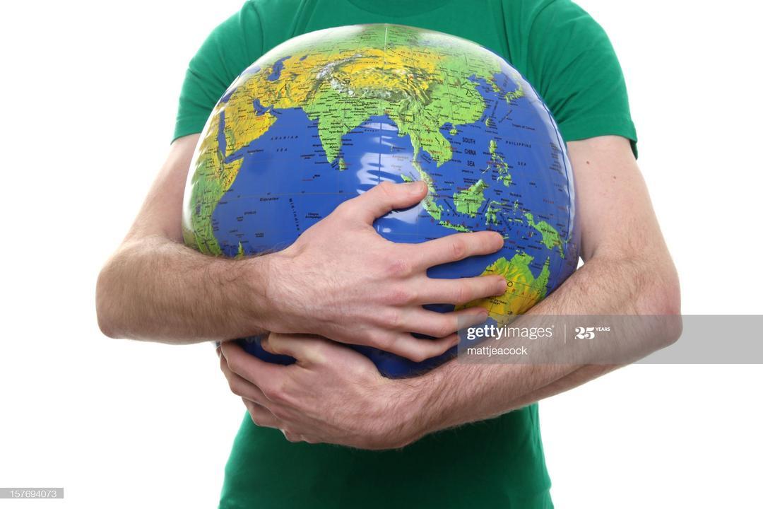 Vamos abraçar o mundo! Ou não?