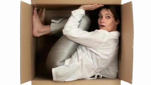 Normas ABNT: uma reflexão sobre como somos feitos para pensar dentro da caixinha.