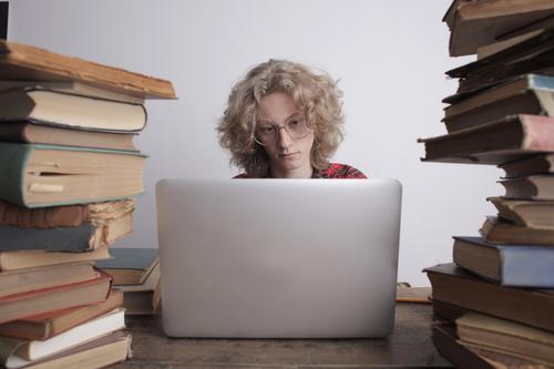 Como se organizar estudando à distância?