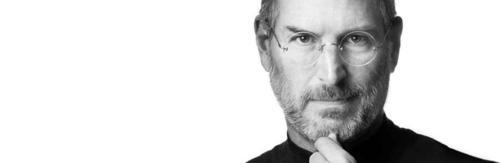 Steve Jobs: O aluno desistente que se tornou um exemplo de universitário